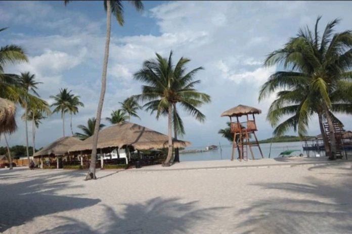 Menjelajahi Kesunyian Pulau Ranoh yang Cocok untuk Liburan Romantis Bersama Pasangan